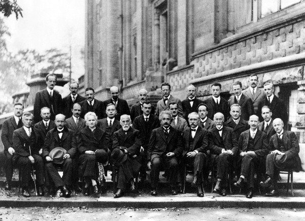 Solvay_conference_1927_600.jpg